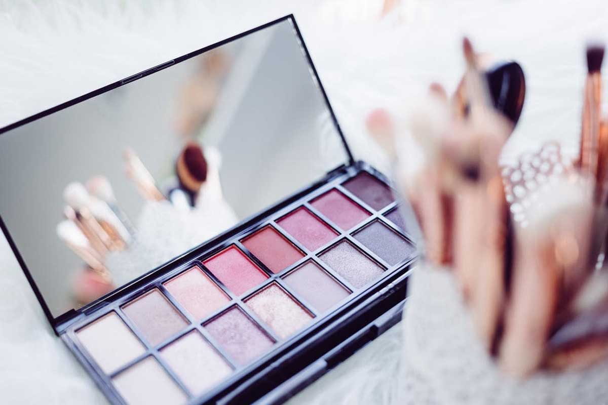 Girls Cool Makeup Kit Now Available